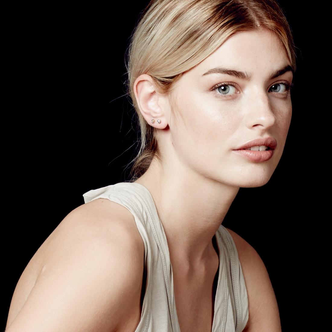 Mini Stilla Stud Earrings