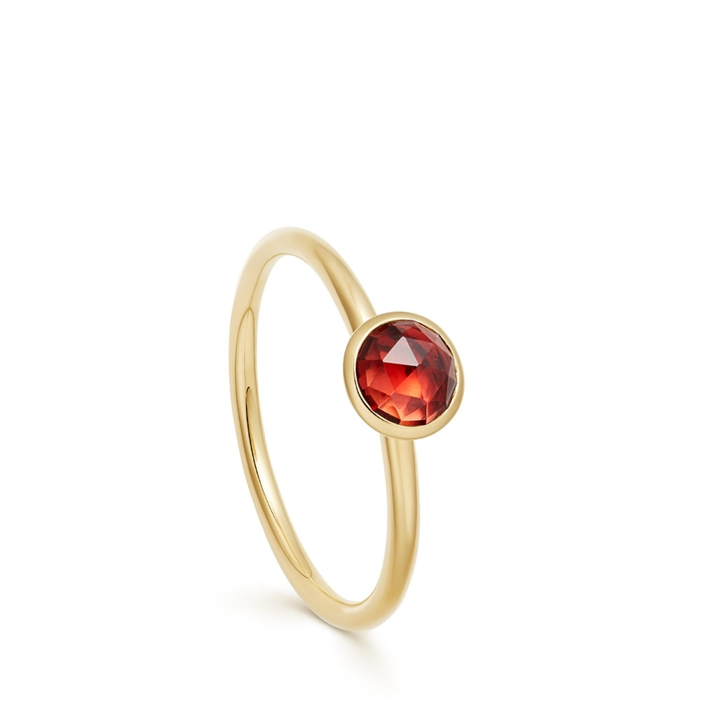 Mini Stilla Garnet Ring